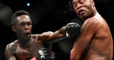 Nigerian fighter, Isreal Adesanya defeats his mentor, Anderson Silva